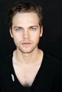 Alexander Calvert | Jack (Supernatural) | Could his hair be more perfect?!