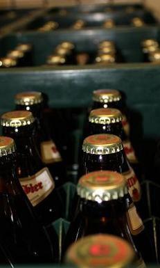 Export-Rekord für Bayerisches Bier Bayerisches Bier wird international immer beliebter. Wie Bayerns Landwirtschaftsminister Helmut Brunner mitteilte, haben die bayerischen Brauer im vergangenen Jahr nach ersten Schätzungen rund 4,4 Millionen Hektoliter Bier exportiert und damit ein neues Rekordergebnis erzielt.