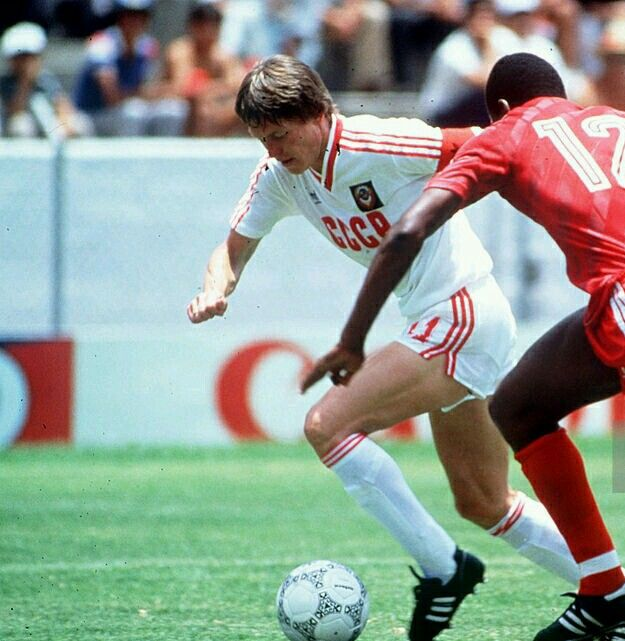 USSR 2 Canada 0 in 1986 in Irapuato. Oleg Blokhin goes past Randy Samuel to score on 58 minutes in Group C at the World Cup Finals.
