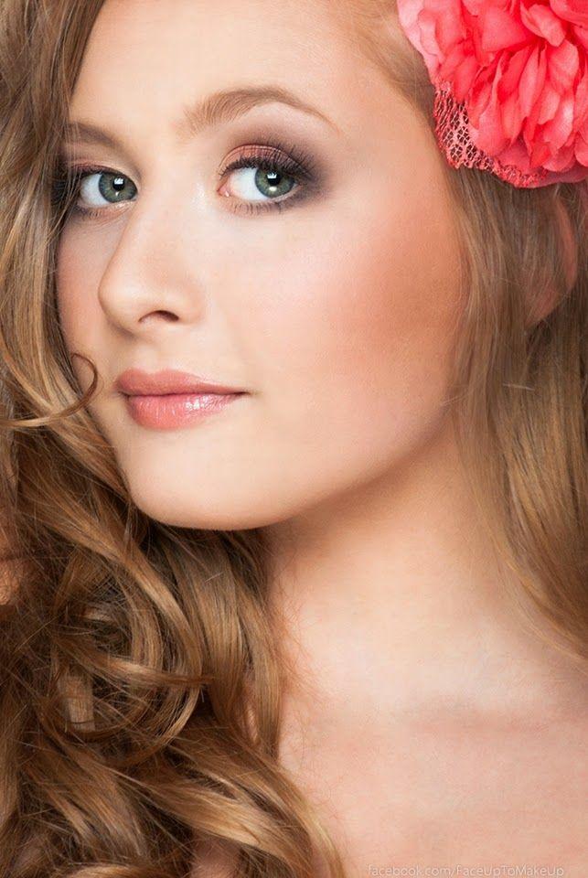 Portrait model: Magda Miś make up & photo: Joanna Niedźwiecka