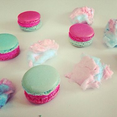 Cotton Candy Macarons || onlyonesmallcookie.tumblr.com