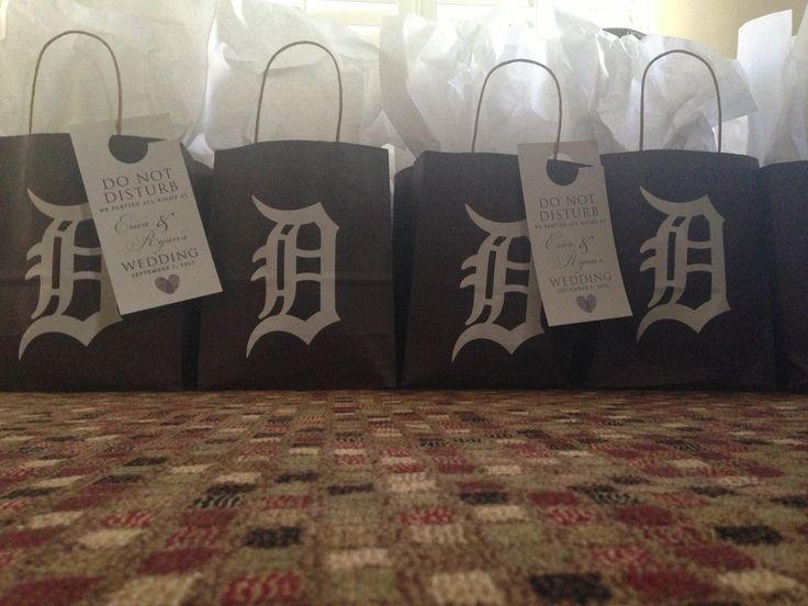Old English d gift bags Detroit theme | A Detroit wedding idea! | www.partyista.com