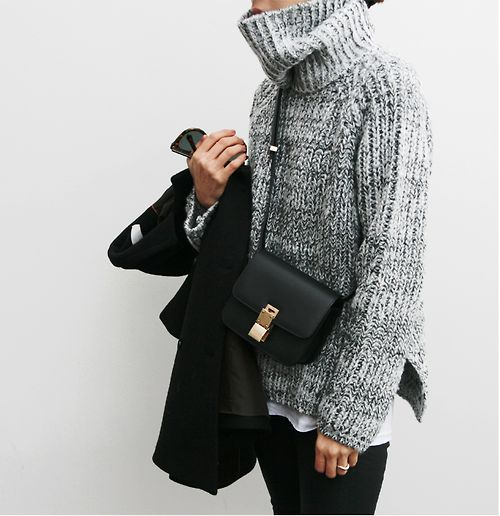 bulky sweater... looks toasty on a cold day