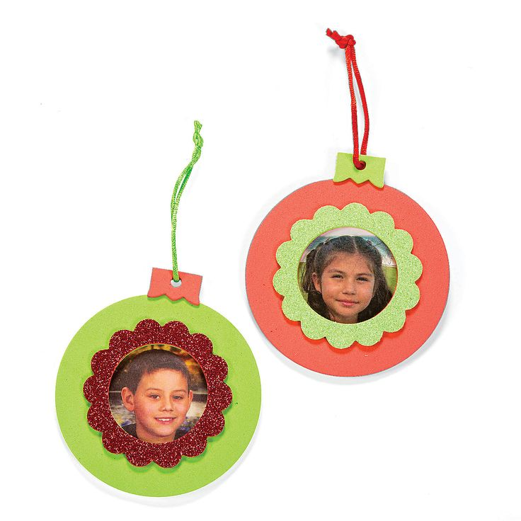 A glittery way to add a personal touch to your christmas for Photo frame ornament craft