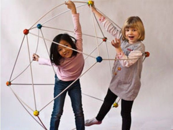 The Grommet team discovers the OgoBild Pod and OgoBild Nexus, active play construction toys with interchangeable parts.