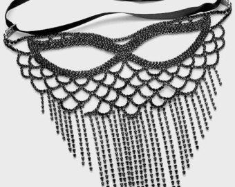 HALA Half Face Chain by BoutiqueAlBadwi on Etsy