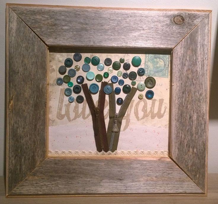Barn wood and buttons. Pläiskäisempä nyt tähän kuvat kesän ja syksyn tauluaskarteluista. Uuden elämän ovat tällä kertaa saaneet muutamat ajopuu- ja 30 vuotta vanh...