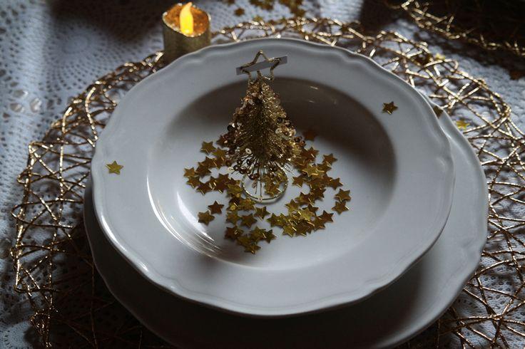 """La tavola di Natale ovviamente verrà """"vestita"""" a festa e per l'occasione ho deciso dei scegliere alcune decorazioni che utilizzerò il 25 Dicembre dal sito Euronova."""