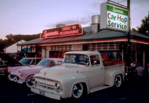 Sycamore Drive In - Bethel Ct - Fabulous burgers & Homemade Root beer in a 50's drive in. - definitely worth a drive!