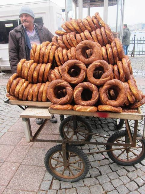 A Seasonal Cook in Turkey: Sesame-covered Simits: Turkish Bagels