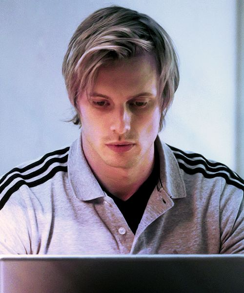 Bradley James.....why have i never seen his hair so perfect like this....@TKD chick