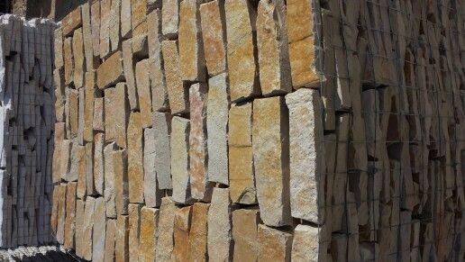 #listelli #segati #pietreditrani #pietre #rivestimento #parete #marble #stone #edilizia #trani #design #creative #job #work #stones #street