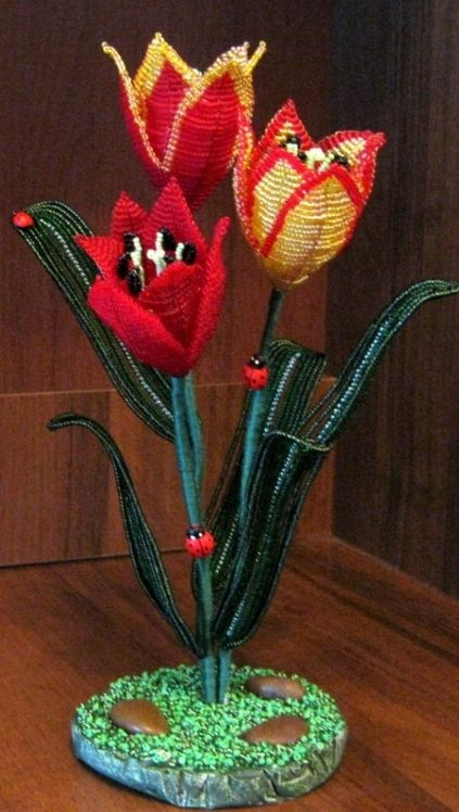 137 best wire flowers images on Pinterest | Wire flowers, Yarn ...
