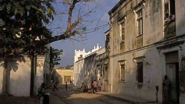 http://exame.abril.com.br//economia/noticias/os-15-paises-mais-pobres-do-mundo/lista MOÇAMBIQUE