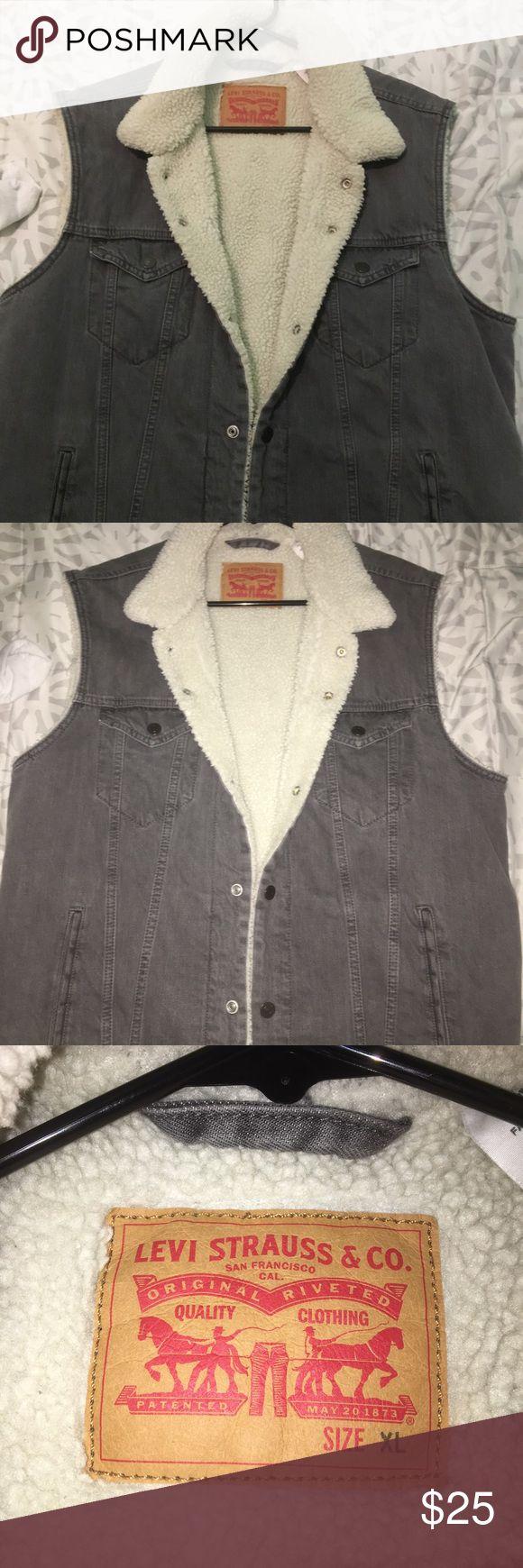 Levi's vest Levi's warm vest Levi's Jackets & Coats Vests