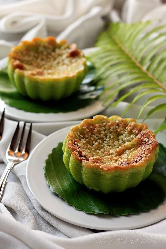 Baked Cake or Kuih Bakar