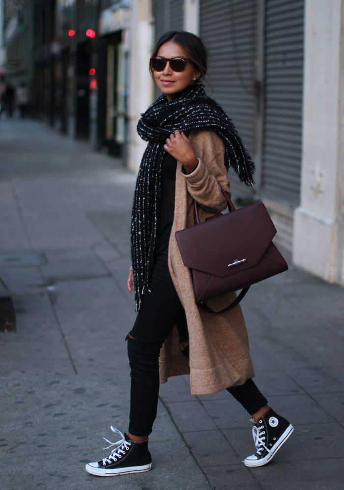 Julie Sarinana is showing of the huge scarf trend. This one is from Zara