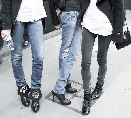 .: Studs, Wear Styles, A Mini-Saia Jeans, Skinny Jeans, Fashionstreet Styles, Booties, Bad Girls, Combat Boots, Jeans And Boots