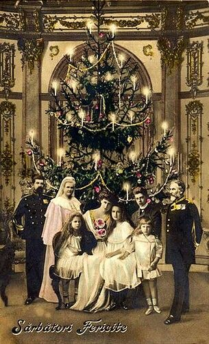 The Romanian Royal Family - Merry ChristmasEarly 1900s at the Royal castle of Peles in the Carpathian Mountains | via: historum.com