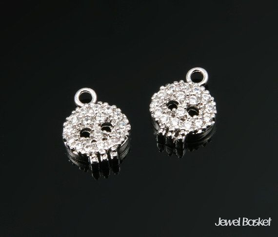 Cubic Skull Beads in Rhodium   - Highly Polished Rhodium Plated over Brass (Tarnish Resistant) - Cubic Zirconia and Brass / 10.5mm x 8.0mm  - 2pcs / 1pack