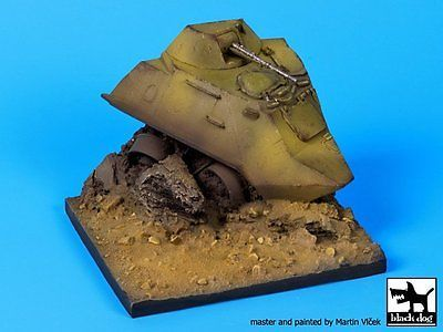 Black Dog 1/35 Destroyed BTR-60 APC Section Diorama Base (95mm x 95mm) D35054