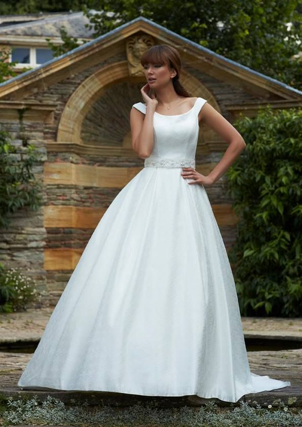 1000  images about Warwickshire Bridal Gown Outlet on Pinterest ...
