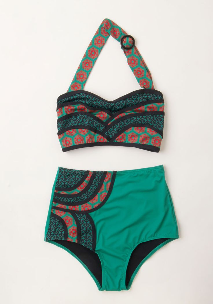 Set the Serene Swimsuit Bottom in Emerald. A lagoon is the perfect cool-off spot, and today youre lounging on the shore in this patterned swimsuit bottom! #green #modcloth