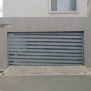 De 25 bedste id er til puertas de garage p pinterest - Puertas para garage ...