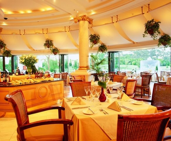 Restaurant at Metcourt Suites at Emperors Palace