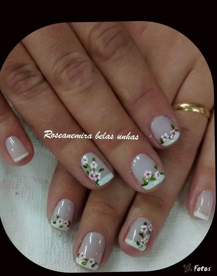 uñas frances blanco flores