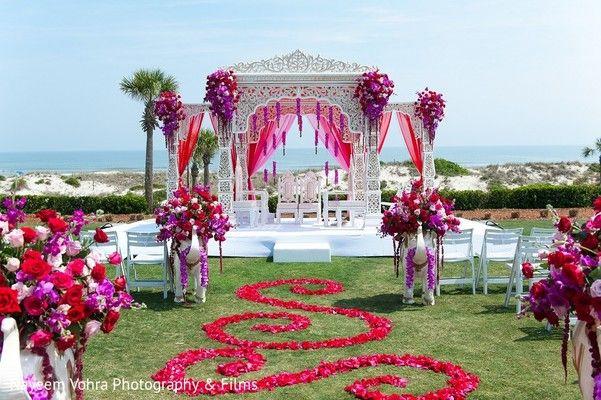 Ceremony Decor http://www.maharaniweddings.com/gallery/photo/57738 @suhaaggarden @preetiexclusive