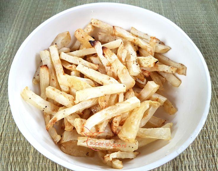 Houd je van frietjes, maar niet van de koolhydraten? Dan is dit recept echt wat voor jou. Met dit recept bespaar je heel veel koolhydraten.