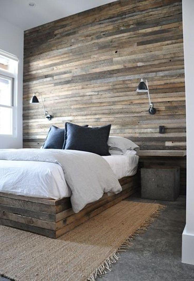Bekijk de foto van Molitli met als titel Slaapkamer met betonvloer met sisalkleed en houten achterwand en bedombouw. en andere inspirerende plaatjes op Welke.nl.
