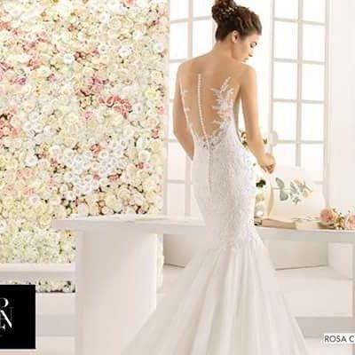 A nova coleção de vestidos de noiva da @rosa_clara já chegou aqui na loja pra gente. Vocês não tem ideia de quanta beleza!  #rosaclará #universodasnoivas #noiva #weddings #wedding #weddingday #weddingdress #casamento #casamentos #vestido #vestidos #vestidodenoiva #noivasdobrasil #bridalhairstyle #instabride #couture #bridetobe #novia #weddinginspiration #weddingparty #bff #luxurywedding #gowns #redcarpet