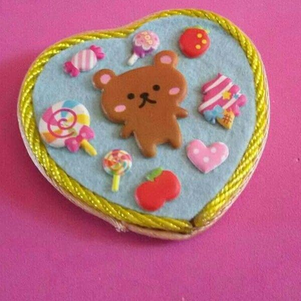 Maxi spilla realizzata interamente a mano in stile kawaii japan sweet bear fruits