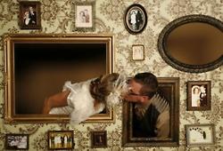 Love this!: Photo Ideas, Wedding Ideas, Booths Ideas, Photo Wall, Families Photo, Vintage Frames, Receptions Ideas, Frames Wall, Wedding Photo Booths