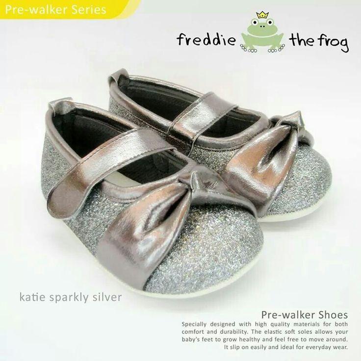 #Sepatu freddie the frog (Katie silver) ~ 90ribu. Ukuran Sol : No. 3 = 11 cm (untuk umur sekitar 0-6 bulan-) No. 4 = 11.5 cm (Sekitar 6-9bulan-) No. 5 = 12 cm (Sekitar 9bln-1 tahun-)