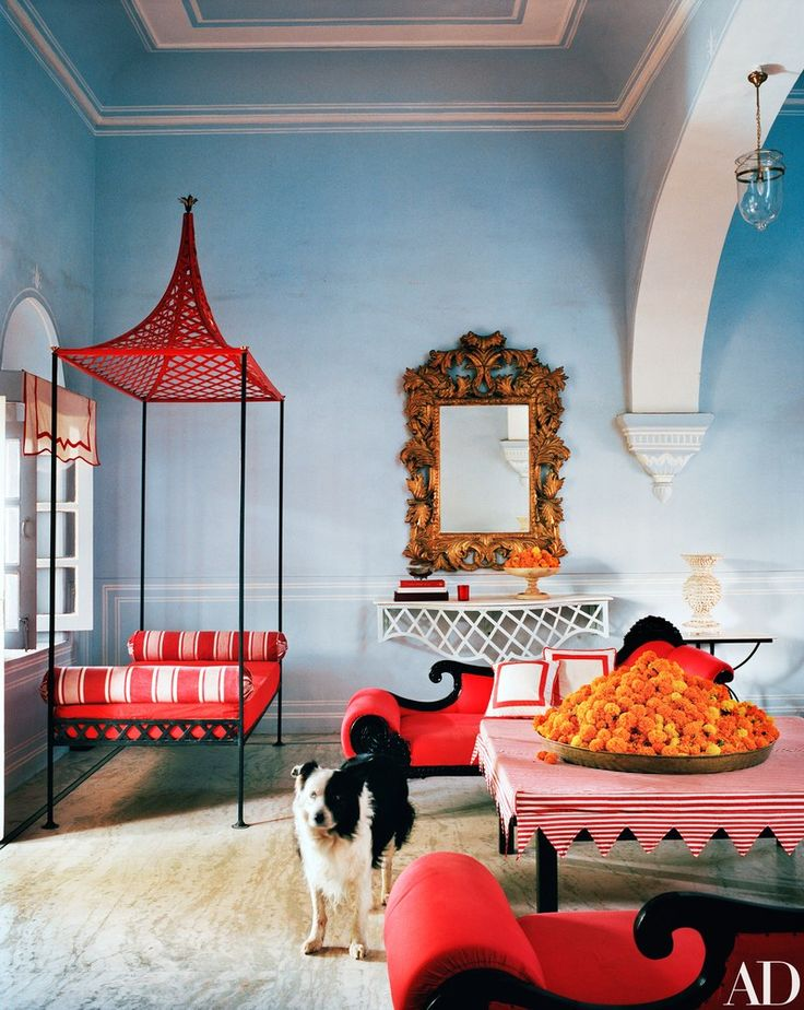 My India obsession continues with this stunning apartment belonging to decorator Marie-Anne Oudejan published in AD magazine.Thesuite is located in Jaipur'shotel Narain Niwas Palace and its striking blueand red palette feels both fresh andclassic. Marie-Anne is the designer behind my beloved Bar Palladio and Caffe Paladio. Clearly, her home is as chic as her commercial …