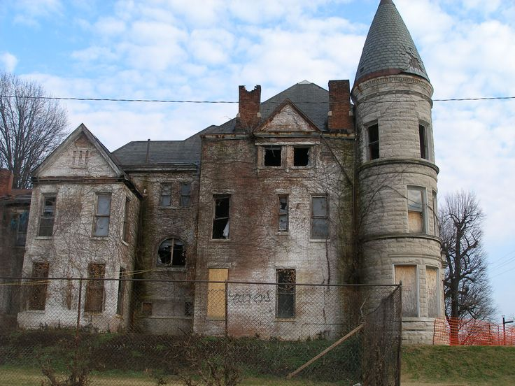 he long-abandoned Ouerbacker House, on the corner of 17th Street and Jefferson Street in Louisville, KY.
