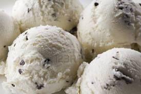 VANIGLIA E ZENZERO: gelato alla stracciatella fatto in casa