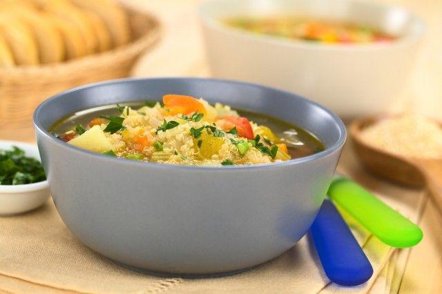 Zuppa di quinoa e tuberi (ricetta vegana)