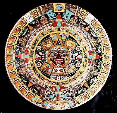Increíble obra artística precolombina en Mexico. El misterioso #CalendarioAzteca, con todos sus colores, y las más misteriosas formas.