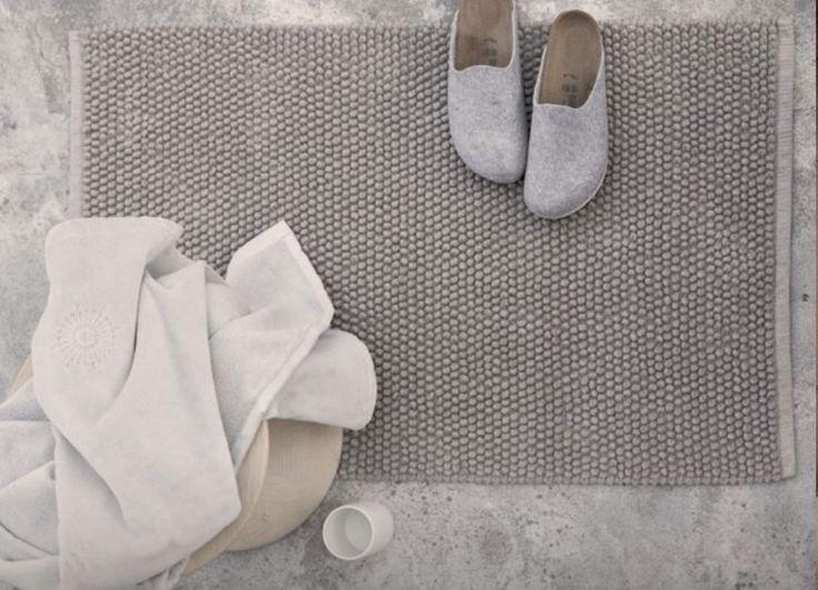 Mer enn 25 bra ideer om Badteppich grau på Pinterest - badezimmer fliesen ideen schwarz weiß