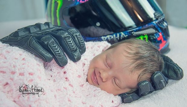 http://blog.bikerornot.com/her-daddy-loved-motorcycles-but-he-will-never-hold-his-baby-girl/?ref=related-6yearoldrides Image Credit: Kim Stone Photography