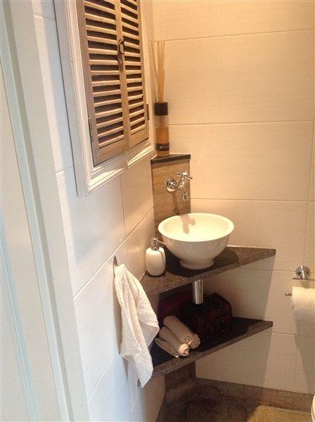 34 best images about opzet waskommen on pinterest toilets delft and we - Toilet wastafel ...