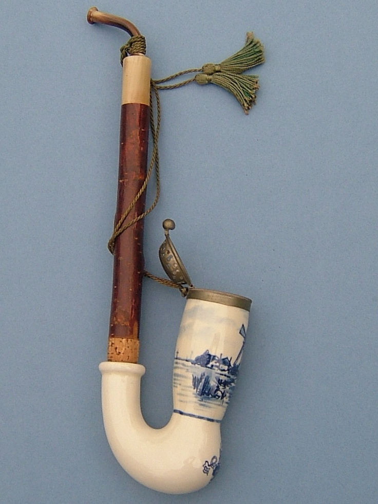 1960s Dutch Hand Painted Delft Ceramic Pipe No 850 With