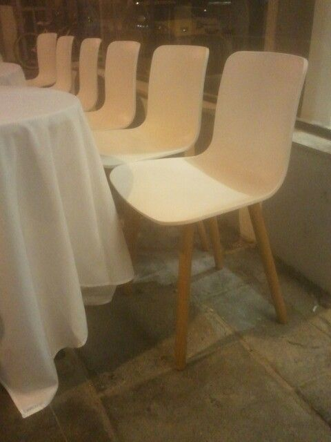 Nice chair pic taken at mizlala -  nahalat binjamin tel aviv