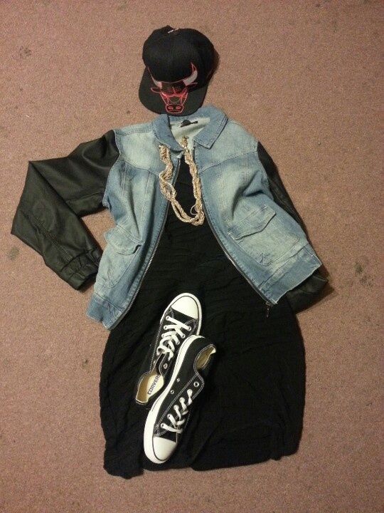 I put up this outfit I'm wearing to a concert tomorrow #concertoutfits