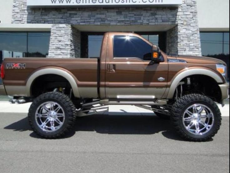 single cab f350 4wd. It's different because most people only do this to four door trucks now day and maybe that's why I like it!