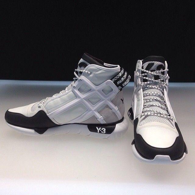 How do you like the white Y-3 #Qasa B-Ball silhouette? #adidas #Y3 #sneaker